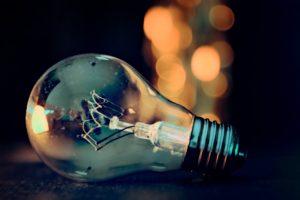 Komisch angestarrt werden - Glühbirne, Erkenntnis
